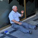 Drama greke me tre foto