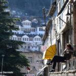 Pranvera rikthen turistët në Gjirokastër (FOTO)