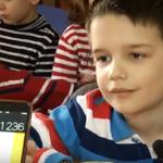 Ky 5-vjeçar nga Përmeti të lë pa fjalë, shihni çfarë veprimesh që bën (VIDEO)