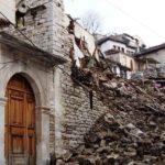 Gjirokastër, godinat muzeale mbulohen nga plehrat