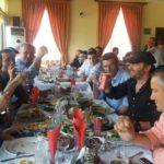 1 Maji, Tavo ia shtron me mish dhe birra punëtorëve të ndërmarrjes komunale (FOTO)