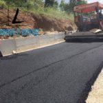 Nis hedhja e shtresës së dytë me asfalt në rrugën e Labovës (FOTO)