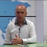 Aristotel Petro, kandidati për deputet në Gjirokastër që 'konkurron' me Azbi Kasajn (VIDEO)