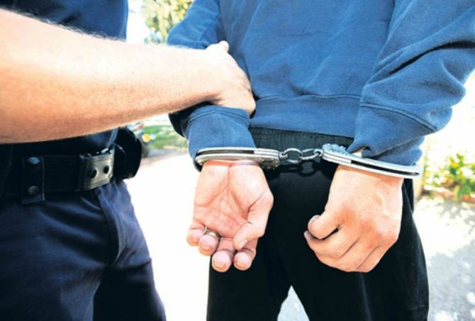 Arrestohen tre policë në Kakavijë, akuzat shpërdorim detyre dhe korrupsion