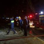 Gjirokastër, zjarr në Andon Poçi, rrezikon të digjet pularia
