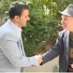 Flamur Golemi uron 1 Tetorin nga Shtëpia e të Moshuarve në Gjirokastër (VIDEO)