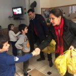 Festat, Kumbaro e Golemi dhurata për fëmijët në Gjirokastër e Libohovë (FOTO)
