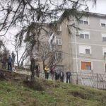Gjirokastër, banorët rikthehen në pallat. Rreziku i shembjes mbetet aty