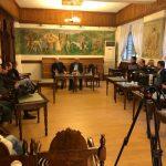 Tritan Shehu prezanton drejtuesit e PD-së me gazetarët në Gjirokastër (FOTO)