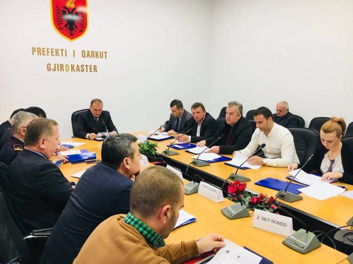 Gjirokastër, Prefekti do të 'luftojë' kanabisin me Lindita Rovën, Shpëtim Novin dhe Magdalena Margaritin (FOTO)