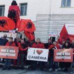 Gjirokastër, aktivistë të ardhur nga kryeqyteti protestojnë për marrëveshjen e detit me Greqinë