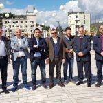 Deputetët e Gjirokastrës harrojnë debatet në Kuvend, Flamur Golemi e Tritan Shehu bëjnë 'paqe' për Ditën e Verës