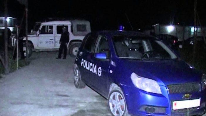 """Sherr në një familje në Gjirokastër, agresori plagos me thikë policin e """"Shqiponjave"""""""