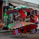Spektakël te Pazari Gjirokastrës, këngë dhe valle nga Ansambli i Egjiptit dhe Lunxhërisë (FOTO)