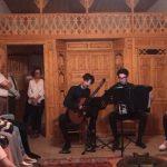 Gjirokastër, artistët italianë japin koncert në shtëpinë e Kadaresë