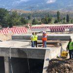 Investimi në rrugën Gjirokastër-Lazarat, deputeti Çuçi dhe kreu i ARRSH inspektojnë punimet (FOTO)