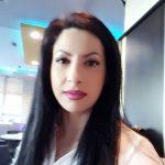 Nënë e dy vajzave, por edhe police te patrulla 'Shqiponja' në Gjirokastër. Njihuni me historinë e Fatime Myrtos (VIDEO)