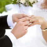 Dalin shifrat e INSTAT/ Gjirokastra ka më shumë martesa se Tirana, por sërish numri i beqarëve mbetet i madh