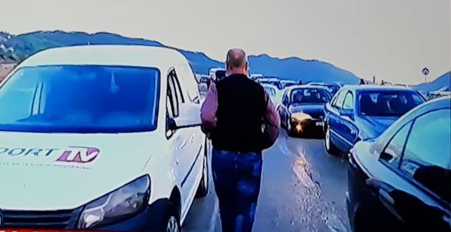 Bllokimi i rrugës pas varrimit në Bularat, 12 shtetas grekë të ndaluar nga policia e Gjirokastrës