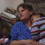 """""""Fëmijët bien të flenë ndonjëherë pa ngrënë…vetëm ujë me sheqer"""", historia e trishtë e familjes nga Gjirokastra (VIDEO)"""