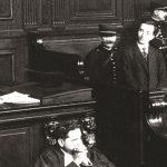 """""""Krim pasioni"""": Si u ekzekutua Esat Pashë Toptani dhe detajet e gjyqit të Avni Rustemit"""