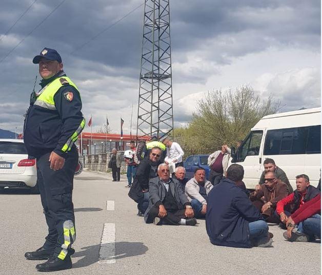 Kundër monopolit të kompanisë 'Argjiro', Libohova duhet të ketë linjën e vet drejt Tiranës