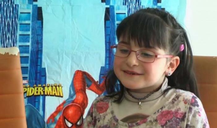 Njihuni me Sofian, vogëlushja nga Zagoria që mposhti autizmin