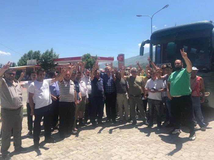 Protesta, Tritan Shehu nxjerr shifrat: 2500 vetë u nisën nga Gjirokastra, Rama ik (FOTO)
