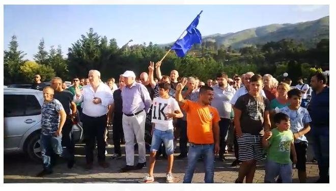 Rama takim në Gjirokastrën, militantët e PD-së tentojnë t'i bllokojnë rrugën