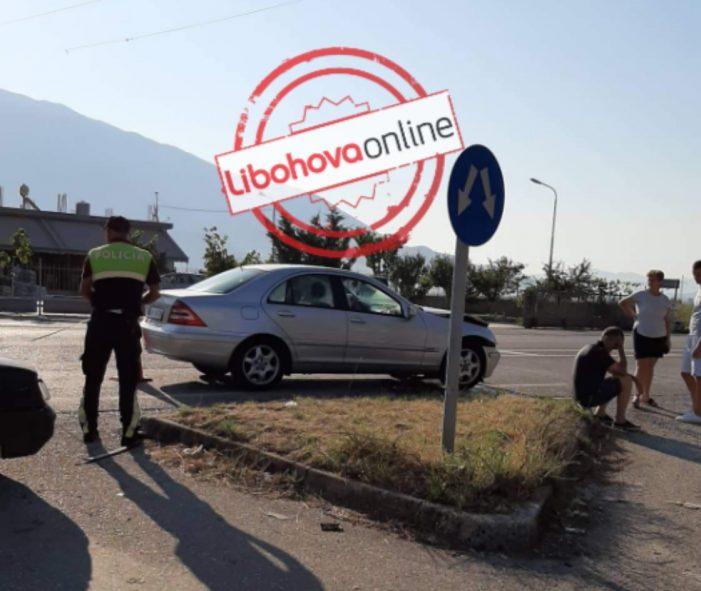 Aksident në Sofratikë, përplasen dy makina (FOTO)