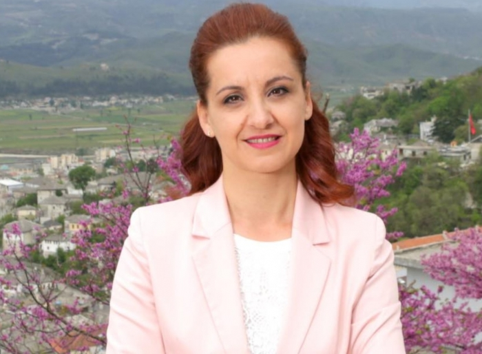 Zamira Rami 'e pëson' në fund të mandatit, kallëzohet për shpërdorim detyre. Dosja shkon në Gjykatën e Gjirokastrës