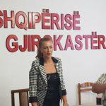 Lindita Rova në krye të Këshillit të Qarkut Gjirokastër, e para grua që drejton këtë institucion