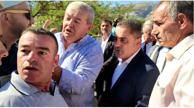 Incident në Gjirokastër, ballistët kundër Artur Roshit dhe Dasho Alikos: Mos mba spiunat e PD-së, mos mba ata larot ti