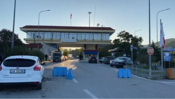 Tre të arrestuar në Kakavijë, nuk pranuan të karantinoheshin dhe u futën ilegalisht nga kufiri me Greqinë