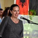"""Gjimnazi """"11 Shkurti"""" feston 50 vjetorin, Kumbaro: Libohova është familja jonë e madhe, ta ngremë lart emrin e shkollës (FOTO)"""