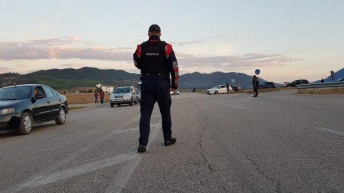 Nuk mund të udhëtoni drejt Kakavijës, policia ngre pika kontrolli që prej Memaliajt