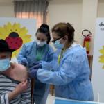 Nis vaksinimi i të moshuarve mbi 90 vjeç në Gjirokastër