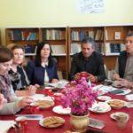 'Shqipëria Lexon', gjimnazi i Libohovës mbledh bashkë kryebashkiaken, mësuesit dhe nëpunësit e bashkisë (FOTO)