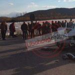 Polici nga Gjirokastra aksidentohet bashkë me djalin në rrugën Levan-Tepelenë (FOTO)