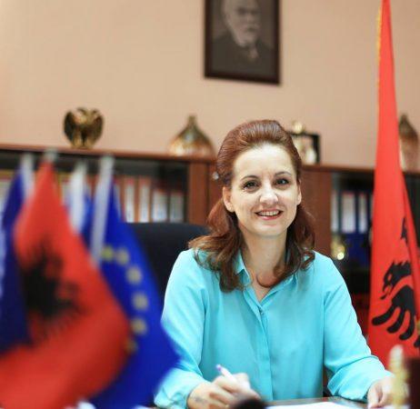 Dënohet me një vit burg ish-kryebashkiakja e Gjirokastrës, por dënime do i konvertohet: Punë e detyruar në interes publik