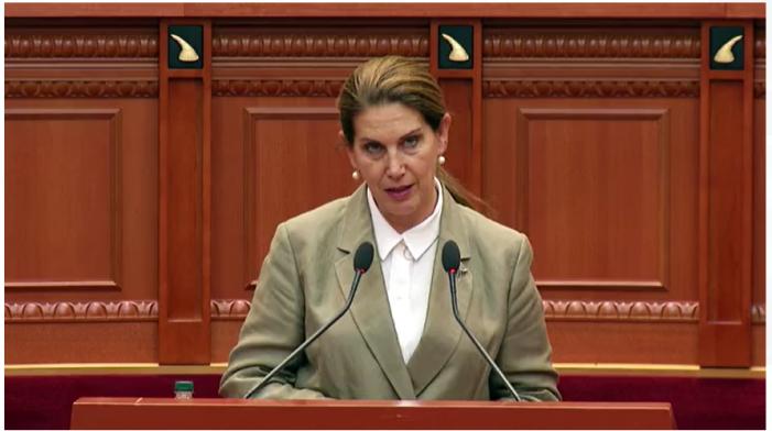 Fjalimi i parë si Ministre Turizmit, Kumbaro fton deputetët: Këtë fundjavë ejani në Libohovë (VIDEO)